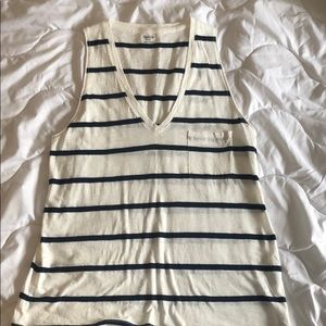 Madewell Whisper Cotton V-neck Tank. Size Medium.